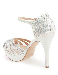 #white #weddingshoes @weddingchicks