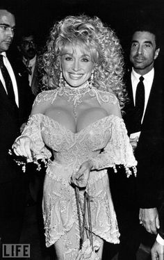 """Dolly Parton during """"Steel Magnolias"""" New York City Benefit Premiere for the American Diabetes Association at Cineplex Odeon in Century City, California, United States. (Photo by Jim Smeal/WireImage) Dolly Parton Tattoos, Dolly Parton Quotes, Dolly Parton Imagination Library, People Magazine, Dolly Parton Costume, Dolly Parton Pictures, Hello Dolly, Country Singers, Rare Photos"""