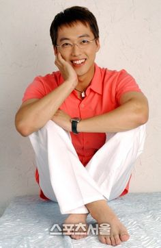 "Namgoong Min's Transformation in ""Handsome Guy and Jung-eum"" Bae Yong Joon, Namgoong Min, Hwang Jung Eum, Tv Series 2013, Korean Entertainment News, Learn Languages, Kdrama Actors, Pop Singers, Korean Actors"