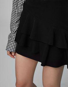 Elastyczna spódnica z falbanami - Spódnice - Odzież - Dla Niej - PULL&BEAR Polska
