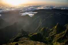 Pico do Arieiro: voir l'incroyable lever de soleil de Madère - via Miles & Love 23.06.2015 |  #Madeira #Portugal Photo: Paysage de montagne à Madère