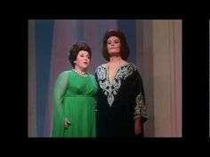 this is as close to two angels singing this side of heavenJoan Sutherland & Marilyn Horne - Norma - Mira, o Norma (1970) -