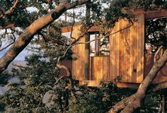 Tree house accommodation at the Post Ranch Inn hotel, Big Sur