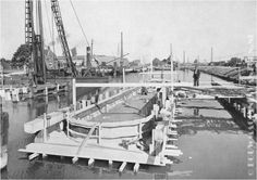 Aanvang van de bouw van de brug over het Wilhelminakanaal op de Boscheweg.