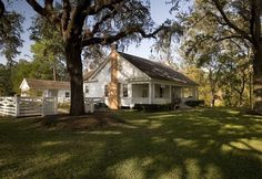 The Varner-Hogg Plantation in West Columbia portrays generations of Texas history and commerce through its magnificant pecan orchards and magnolia trees. West Columbia, Visit Texas, Antebellum Homes, Magnolia Trees, Texas History, Texas Homes, Galveston, Historical Sites, Road Trip