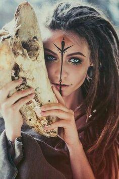 Nice as make up as a hippie nett Wie Schminkt Man Sich Als Hippie How to make up as a hippie How to make up as a hippie. How to make up as a hippie. hairstyles 8 hairstyles to make yourself Cosplay Makeup, Costume Makeup, Sexy Halloween Costumes, Halloween Makeup, Halloween Halloween, Krieger Make-up, Viking Makeup, Warrior Makeup, Foto Face