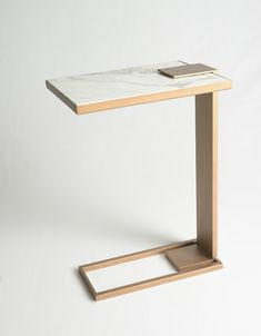 POLI SIDE TABLE Robicara