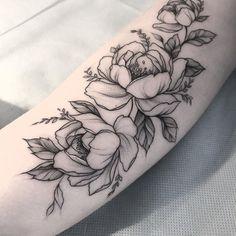 детали #тату #татуцветы #татуировка #tattoo #tatrussia #tattoo2me #tattooart #tattoopins #tattooartist #tattoomoscow #tattooinrussia #graphictattoo #wowtattoo #peonytattoo #birdtattoo #ink #flowers #flowertattoo #tattsketches #tattoodesign #russiantattooers #colortattoo #blxckink #moscowtattoo #Equilattera #tattooselection #inkspiretattoos #татуроза #rosetattoo #wowtattooing