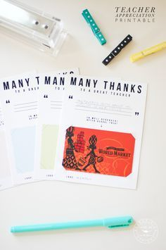 We are in love with this free printable teacher appreciation gift card holder! Sweet, and simple. Plus.. who doesn't love receiving gift cards?