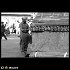 #Repost @mychitr with @repostapp To get featured tag your post with #talestreet Larziyaa saari mai chehre pe likh ke laya hu #delhi_igers #bnw_india #monochromeindia #bharatkhata #delhihai #sodelhi #dfordelhi #tale_street #millionshadesofindia #indiashutterbugs #kapaleeshwarar #khichaek #thephotosociety #thedelhinomad #natgeotravel #indianexpress #_soi #canon_official #mychitr #chowdhary #twitter