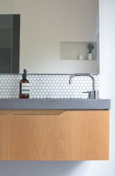 36 Eye-Catchy Hexagon Tile Inspiration For Kitchens: Little White Hexagon Kitchen Backsplash Grohe Minta Single Handle Single Hole Deck Mount Kitchen Faucet Teak Varnished Wooden Kitchen Island Bathroom Renos, Laundry In Bathroom, Bathroom Interior, Modern Bathroom, Bathroom Remodeling, Small White Bathrooms, Beautiful Bathrooms, Small Bathroom, Hexagon Tiles