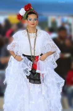 A member Meca Ballet Folklorico dances during the Dia de los Muertos festival in Houston, Texas. https://www.picturedashboard.com