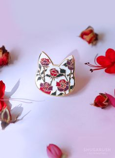 #cutepin #rosepin #catpin #enamelpins #cat #catlovergift #rosecatpin #shugarush #rosepin #floralpin #floralcatpin #rose #pin #etsybestseller #etsybestseller2018 #etsy #lapelpins #flairgame Cute Jewelry, Unique Jewelry, Floral Pins, Cat Pin, Pin And Patches, Enamel Jewelry, Blog Design, Cat Lover Gifts, Pin Badges