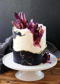9 Wedding Cake Designs We are Loving Beautiful Cake Designs, Beautiful Cakes, Amazing Cakes, Crazy Cakes, Fancy Cakes, Geode Cake, Cupcake Cakes, Cupcakes, Crystal Cake