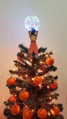 Dark Christmas, Christmas Diy, Christmas Decorations, Holiday Decor, Dragon Ball Z Christmas Tree, Xmas Tree, Goku, Creative Christmas Trees, December 25