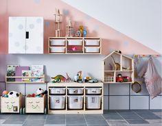 Bırakın dağıtsın. IKEA saklama çözümleri ile oyuncakları toplamak da dağıtmak kadar eğlenceli. http://bit.ly/IKEA-saklama-çözümleri