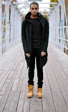 This is a guy but I like his all black/skinny jeans/Tims look