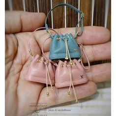 #마이돌하우스 #루이비통백 #루이비통 #핸드백 #가방 #가죽 #미니어쳐가방 #만들기 #공방 #공예 #수공예 #핸드메이드 #취미 #미니어쳐 #돌하우스 #miniature #miniatures #dollhouse #miniaturebag #louisvuittonbag #louisvuitton #leatherbag #bag #1/12size #mydollhouse #make #hobby #craft #handmade #ミニチュア