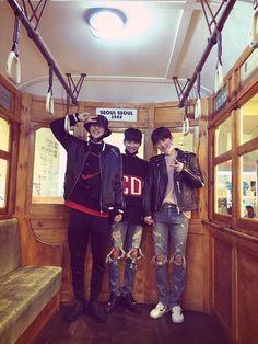 This is cute. //  Hyun Bin 권현빈, Hyun Woo 성현우 and Min Hyun 황민현