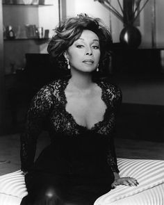 The More You Know: 9 Little Known Facts About Notable Women in Black History Diahann Carroll Hollywood Divas, Old Hollywood Glam, Black Actresses, Female Actresses, Hollywood Actresses, Beautiful Old Woman, Beautiful Black Women, Simply Beautiful, Beautiful Film