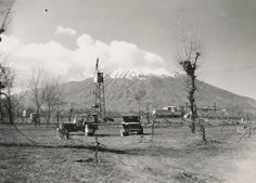 47th Bomb Group jeeps and control tower near Mount Vesuvius, Italy 1945. Via - montanagifts
