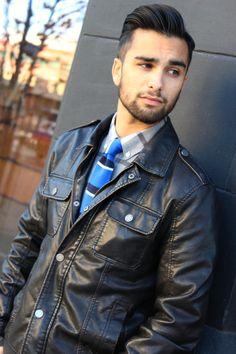 Every fashionable guy needs a leather jacket in his wardrobe #fashion #seattlefashion #dapper #style #seattlestyle #menstyle #menswear #mensfashion #l4l #leatherjacket #unkeptgentleman #knittie #fall #fallfashion #handsome
