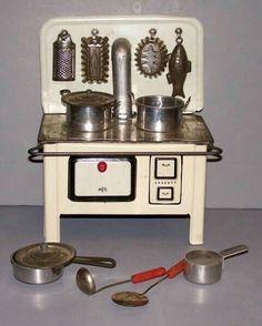 c 1950s Vintage children/'s cutting board kitchen toy