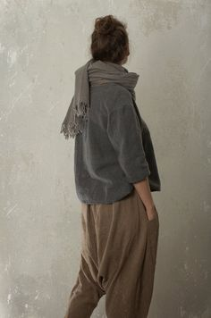 Harem pants SHANTI in linen & wool blend linen trousers Sarouel Pants, Harem Pants, Yoga Pants, Linen Trousers, Trousers Women, Mein Style, Facon, A Boutique, Wool Blend