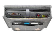 """Herzlich willkommen in meinem Geschäft, Ich habe die Freude, Sie vorstellen zu können:  Laptoptasche 17"""":  Sie wurde aus hochqualitativem stabilisiertem Filz (Dicke: 4 mm). Dank dem, dass sie im..."""