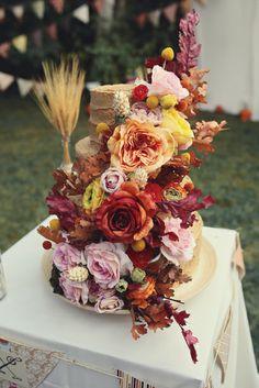 completely amazing wedding cake captured by darling juliet #photography #cake #wedding http://darlingjuliet.com/