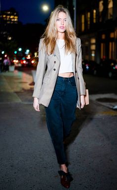 c8b46357b5377b Martha Hunt from Celebs  Best Street Style The model kept it casual on a  night