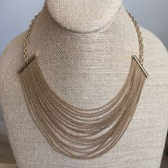 Gorgeous Statement Necklace Handmade in Guadalajara MX🇲🇽 4 coats 18K Gold High quality jewelry Will not tarnish Save 30% when you buy a bundle🎁 Jewelry Necklaces