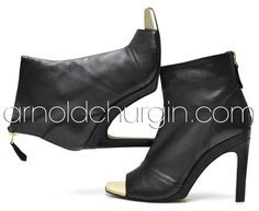 Arnold Churgin Dujour #fashionblogger #boots #ankleboots #heels ##bootlove Shoe Boots, Ankle Boots, Unique Shoes, Booty, Heels, Beautiful, Fashion, Ankle Booties, Heel