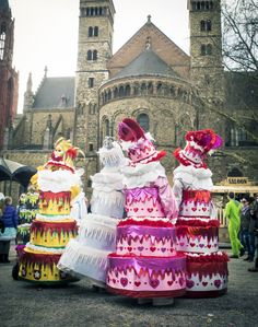 I really want to walk around dressed like a cake now!!! Please??? Carnaval in Maastricht 2014 | Olaf Kramer Fotografie
