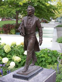 """Joseph Smith!  This guy was one of the smartest con-men out there.  """"Translated"""" a book using rocks in a hat, then was called by God to marry all sorts of women (some underage)"""