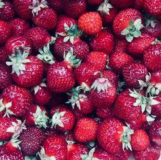 Kesän marjat💕 Strawberry, Fruit, Food, Essen, Strawberry Fruit, Meals, Strawberries, Yemek, Eten