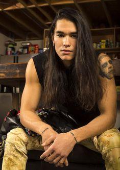 Native American Actors, Native American Beauty, Native American Indians, Beautiful Boys, Gorgeous Men, Beautiful People, Booboo Stewart, Photographie Portrait Inspiration, Grunge Hair