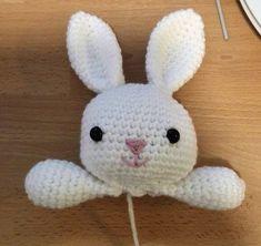 Free pattern of a Bunny-lovey! Crochet Lovey Free Pattern, Crochet Baby Bibs, Baby Girl Crochet Blanket, Bunny Blanket, Crochet Dolls Free Patterns, Lovey Blanket, Crochet Baby Clothes, Free Rabbits, Crochet Rabbit