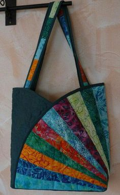 Sac Bourse Tissus Patchwork- TutorielYou can find Patchwork bags and more on our website. Patchwork Fabric, Patchwork Bags, Quilted Bag, Crazy Patchwork, Fabric Squares, Quilting Fabric, Fabric Purses, Fabric Bags, Fabric Basket