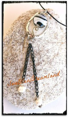 1 Sea pebble Pendant eco friendly jewelry by SueEllenDreamland Black And White Necklaces, Handmade Items, Handmade Gifts, Soldering, Boho Necklace, Eco Friendly, Sea, Trending Outfits, Pendant