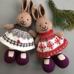 Modifications for a more full skirt dress based on Little Cotton Rabbits Seasonal Dresses pattern knitting little cotton rabbits Bunny Dress Modifications bu Suzymarie Knitted Stuffed Animals, Knitted Bunnies, Knitted Animals, Knitted Dolls, Sweater Knitting Patterns, Free Knitting, Baby Knitting, Knitting Stitches, Knit Or Crochet