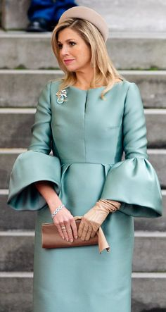 Queen Maxima of the Netherlands welcomes the visiting President of France Francois Hollande 1/20/14