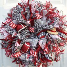 Alabama Football Wreath Crimson Tide Wreath by StudioWhimsybyBabs Mesh Ribbon Wreaths, Tulle Wreath, Xmas Wreaths, Diy Wreath, Door Wreaths, School Wreaths, Wreath Ideas, Alabama Football Wreath, Alabama Wreaths