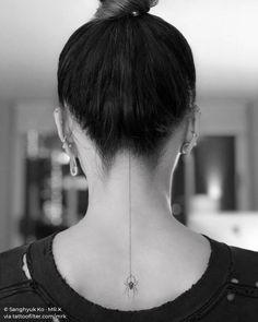 one line tattoo back & line tattoo in back - back line tattoo - fine line back tattoo - back line tattoo women - straight line tattoo back - line down back tattoo - line back tattoo woman - one line tattoo back Nape Tattoo, Tattoo Hals, Tattoo On, Cover Tattoo, Piercing Tattoo, Body Art Tattoos, Piercings, Tatoos, Straight Line Tattoo