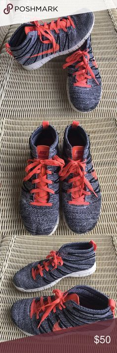 best sneakers d70f0 654f5 NIKE FLYKNIT CHUKKA Great condition and super comfortable NIKE FLYKNIT  CHUKKA in size womens 9