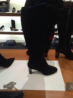 Hoge zwarte laarzen
