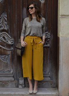 Girls Fashion Clothes, Fashion Pants, Look Fashion, Fashion Outfits, Casual Summer Outfits, Classy Outfits, Chic Outfits, Modern Outfits, New Look Clothes