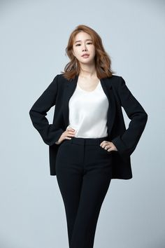 touch your heart Yoo In Na Fashion, Korean Girl Fashion, Stylish Work Outfits, Classy Outfits, Casual Outfits, Korean Celebrities, Celebs, Park Bogum, Park Seo Joon