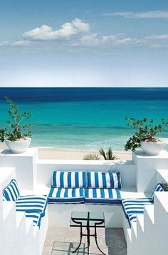 You can enhance the natural beauty of your home with beach house decorating ideas. Coastal Decor like beach art and furniture. Outdoor Spaces, Outdoor Living, Outdoor Decor, Outdoor Seating, Beach House Decor, Beach Houses, Greece Travel, Coastal Living, Coastal Homes