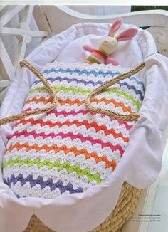 love the colourful bright stripes in this bassinet blanket Crochet Bedspread, Afghan Crochet Patterns, Crochet Chart, Love Crochet, Baby Blanket Crochet, Crochet Toys, Crochet Baby, Knit Crochet, Dou Dou